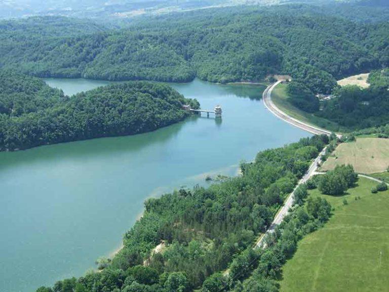 Carp System Garasi jezero za saranski ribolov